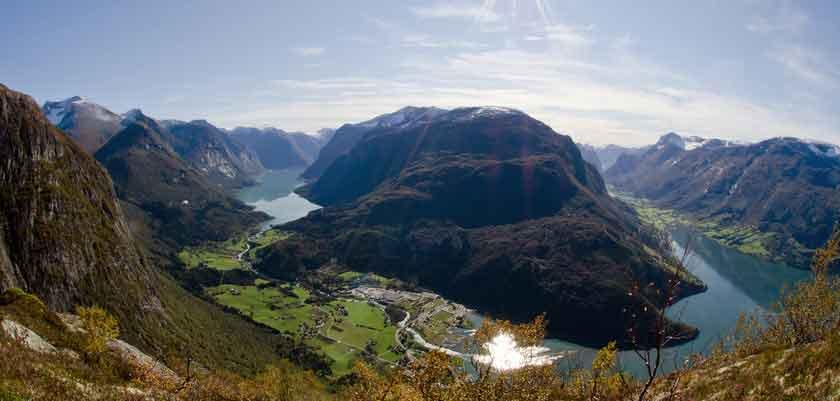 Loen fjord.jpg